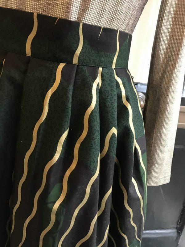pleated detail waistband
