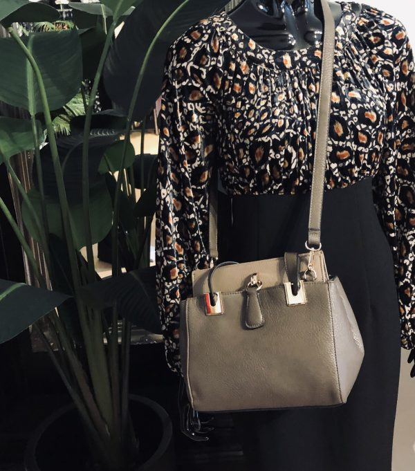 magnetic clasp bag
