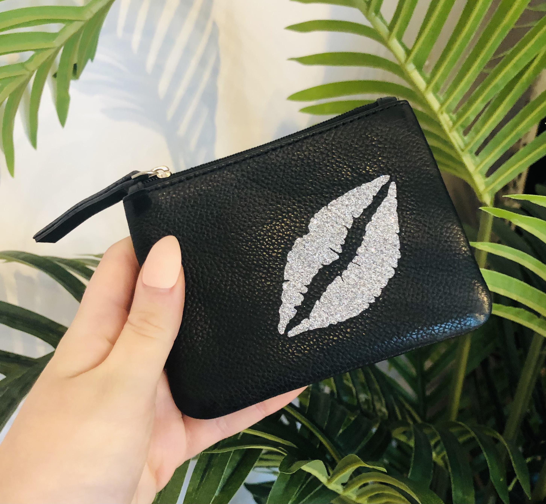 Silver glitter lips coin purse